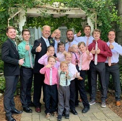 Rodičia 14 synov si