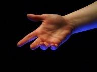 Ruky nie sú len