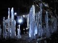 Užívali sme si cesty do útrob jaskyne popri stenách, ktoré voda a matka príroda vymodelovala do neopísateľných tvarov.