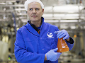 Výsledkom celého procesu výroby je kvalitný rybí olej, nabitý zdraviu prospešnými látkami. (Foto: ČTK)