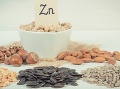 K zdravej hladine zinku napomáha aj konzumácia orechov a semien. Foto: Gettyimages.com