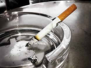 fajčenie stránky zadarmo čierne dievča por