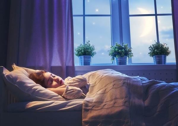 Spánok ako spúšťač temnej