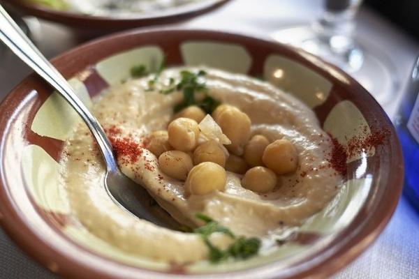 Hummus, obľúbená pochúťka zo