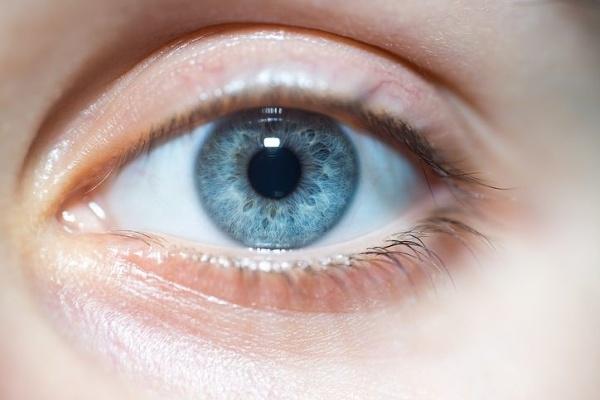 Farba očí napovie viac,