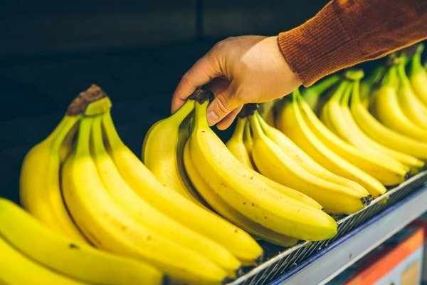 Banány nám v lete