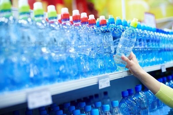 Neuveríte, koľko plastov zje
