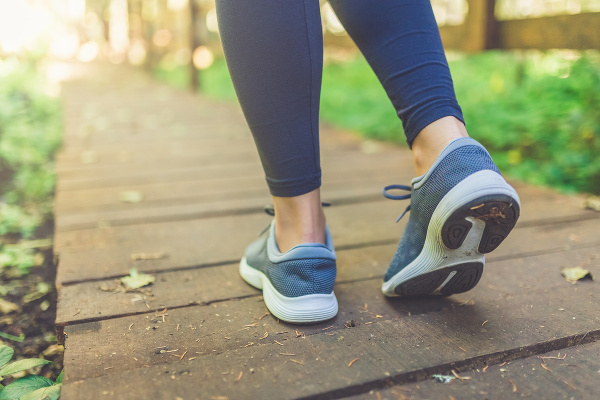 NAJČASTEJŠIE chyby pri chôdzi:
