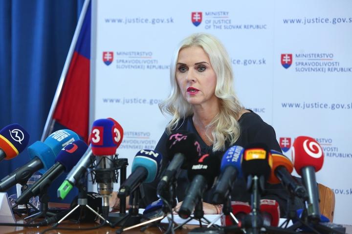 Monika Jankovská odstúpila z