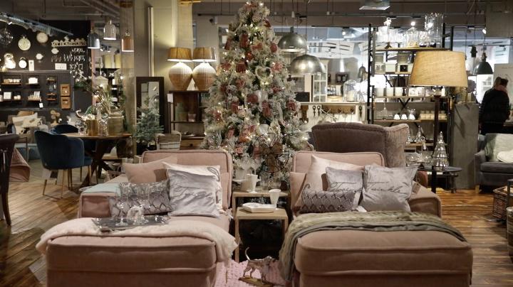 Vianočný stromček a dekorácie