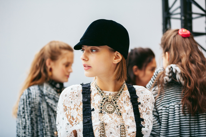 Backstage Chanel jeseň/zima 2020/2021