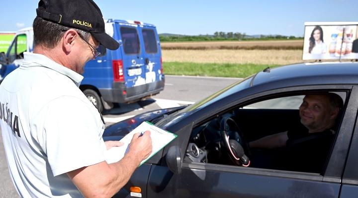 KORONAVÍRUS Policajná akcia na