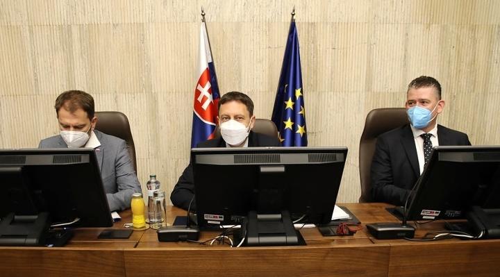 Pandemický zákon by mal