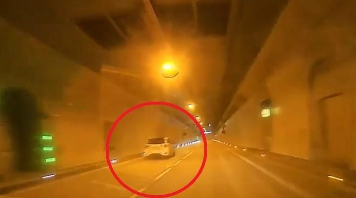 Vodič presvišťal tunelom obrovskou
